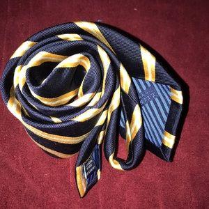 CHARLES TYRWHITT Navy and Gold men's neck tie